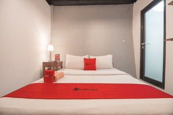RedDoorz @ Dago Golf Bandung - RedDoorz Room Basic Deal 40%