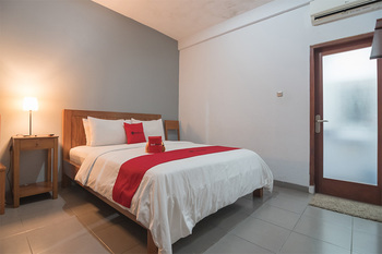 RedDoorz @ Rumah Kiboku Bandung - RedDoorz Family Room Basic Deal