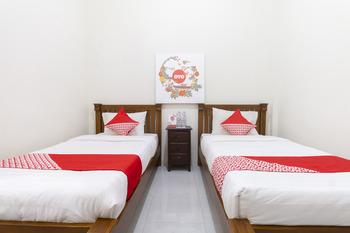 OYO 700 Griya Hanum Syariah Yogyakarta - Standard Twin  Room Regular Plan