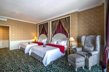 GH Universal Hotel Bandung - Deluxe Double Queen City View Regular Plan