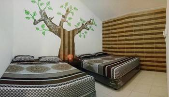 Otu Hostel By Ostic House Yogyakarta - Kamar Keluarga dengan  Kamar mandi dalam Regular Plan