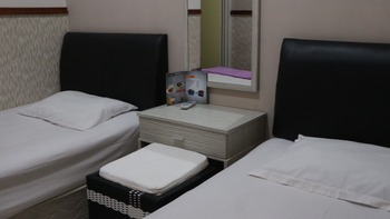 Mitra Guest House Jember - Deluxe Room Only Regular Plan