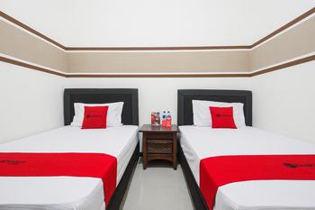 RedDoorz Syariah near Marvel City Mall 2 Surabaya - RedDoorz Twin Room Last Minute