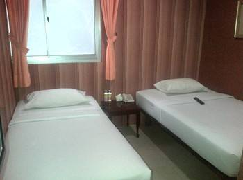 Twins Hotel Mangga Dua - Twin Room With Breakfast Regular Plan