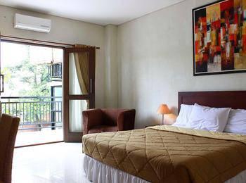Bumi Cikeas Resort Bogor - Deluxe Balcony King Room Only Regular Plan