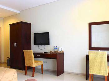 Bumi Cikeas Resort Bogor - Deluxe Balcony King - Room Only Regular Plan