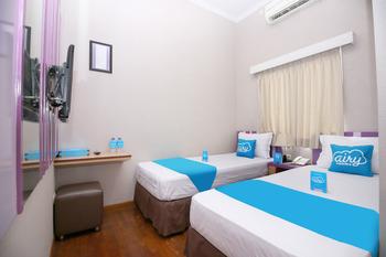 Airy Syariah Alun Alun Merdeka Wahid Hasyim 4 Malang - Standard Twin Room Only Special Promo Mar 5