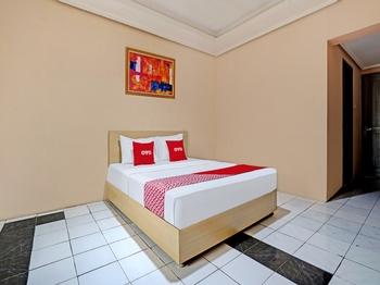 OYO 3953 Hotel Catellya II Cipaku Bandung - Deluxe Double Room Promotion