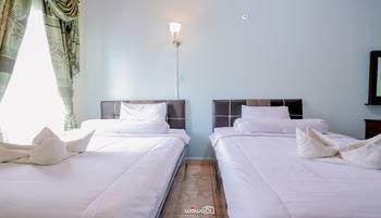 Tungkal Hotel Tanjung Jabung Barat - Twin Bed Regular Plan