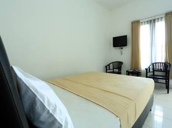RedDoorz at Raya Seminyak - RedDoorz Room Regular Plan