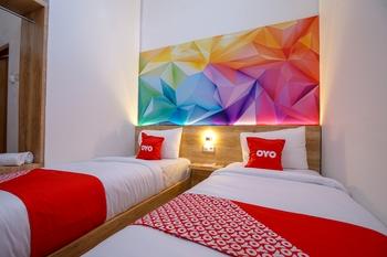 OYO 1490 Green Homestay Syariah Palembang - Standard Twin Room Promotion