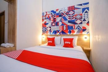 OYO 1490 Green Homestay Syariah Palembang - Standard Double Room Last Minute