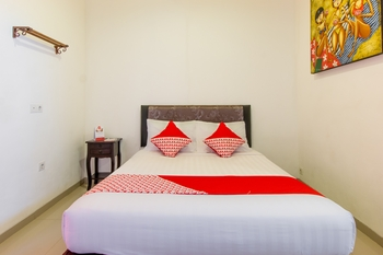 OYO 401 The Frog Homestay Sanur Bali - Standard Double Room Regular Plan
