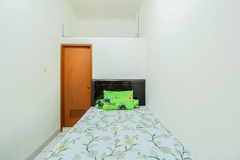 Kos Mami Jakarta - Standard Room Non Refundable last minute deal