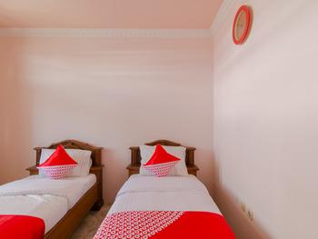 OYO 2858 Vafa Guesthouse Cianjur - Deluxe Twin Room Early Bird