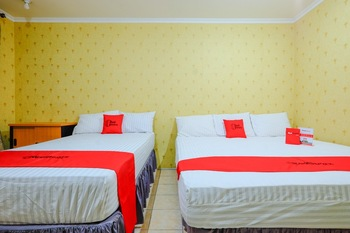 RedDoorz @ Jalan Setiabudi Semarang Semarang - RedDoorz Family Room BASIC DEAL