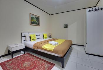 Literooms Villa Atikah Puncak Bogor - Deluxe Rumah 1 Regular Plan