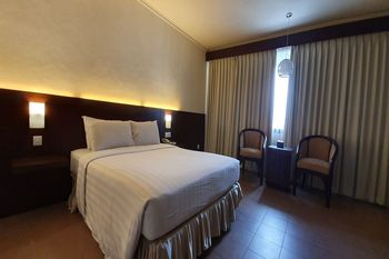 Capital O 1735 Adika Bahtera Hotel Balikpapan - Standard Double Room Regular Plan