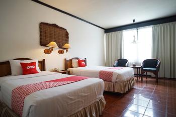 Capital O 1735 Adika Bahtera Hotel Balikpapan - Standard Twin Room Last Minute
