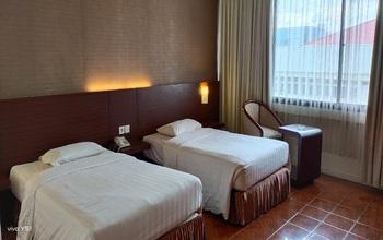 Capital O 1735 Adika Bahtera Hotel Balikpapan - Suite Twin Last Minute