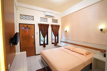 Patria Plaza Hotel Blitar - Super Deluxe Room Only Regular Plan