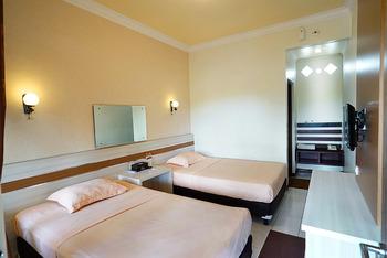 Patria Plaza Hotel Blitar - Super Deluxe Room Regular Plan