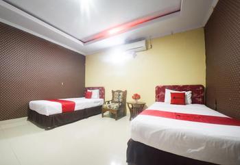 RedDoorz Syariah near RSUD Ainun Habibie Gorontalo Kota Gorontalo - RedDoorz Premium Twin Room Basic Deal