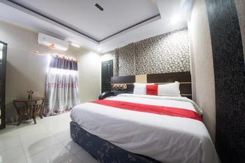 RedDoorz Syariah near RSUD Ainun Habibie Gorontalo Kota Gorontalo - RedDoorz Premium Room Basic Deal