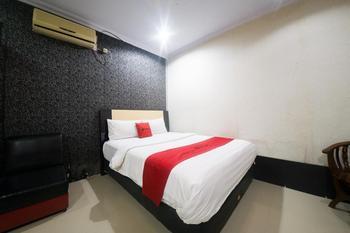 RedDoorz Syariah near RSUD Ainun Habibie Gorontalo Kota Gorontalo - RedDoorz Room Basic Deal
