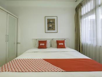 OYO 1873 Kyai Luhur Guest House Bandung - Deluxe Double Room Regular Plan