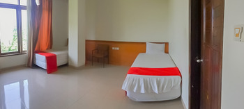 Delima Guest House Syariah Samarinda - Twin Room Best Deal
