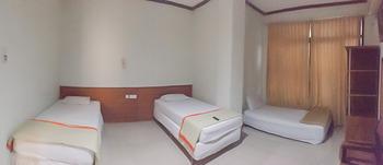 Delima Guest House Syariah Samarinda - Triple Room Last Minute