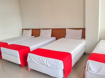Delima Guest House Syariah Samarinda - Family Room Last Minute