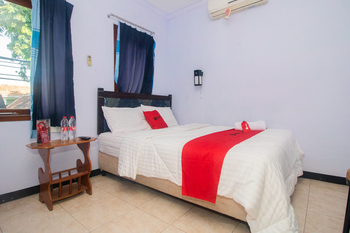 RedDoorz near Pantai Boom Banyuwangi - RedDoorz Room Today's Deals