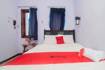 RedDoorz near Pantai Boom Banyuwangi - RedDoorz SALE Regular Plan