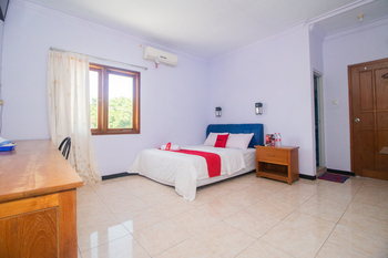 RedDoorz near Pantai Boom Banyuwangi - RedDoorz Suite Room Regular Plan