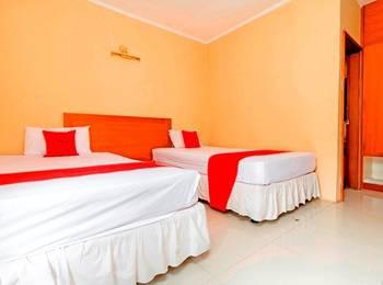 RedDoorz @ Desa Cijulang Sentul Bogor - RedDoorz Room Regular Plan