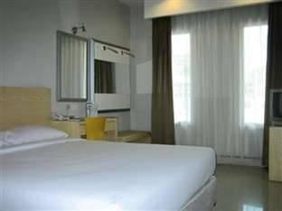 Triniti Hotel Batam - Standard Double Room Regular Plan