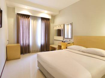Triniti Hotel Batam - Standard Double Room Only Regular Plan
