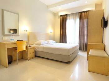 Triniti Hotel Batam - Superior Room For 1 breakfast Regular Plan