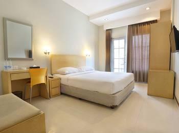 Triniti Hotel Nagoya Batam - Deluxe Room Regular Plan