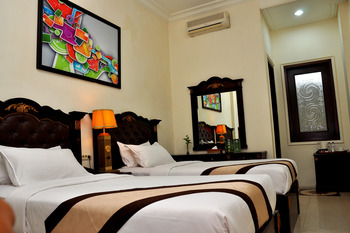 The Grand Palace Hotel Malang Malang - Deluxe Twin Room Breakfast Regular Plan