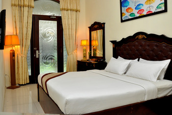 The Grand Palace Hotel Malang Malang - Deluxe Double or Twin Room Breakfast Regular Plan