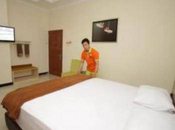 Pondok Cabin Yogyakarta - Big Cabin Private Bathroom Regular Plan