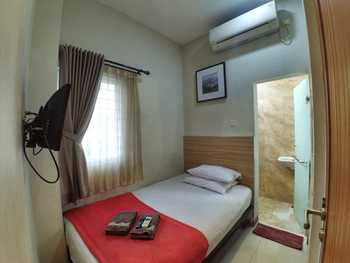 The Cabin Hotel Sutomo Yogyakarta - Small Private Bathroom Room Only Flash Sale