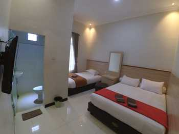The Cabin Hotel Sutomo Yogyakarta - Family Private Bathroom Room Only Flash Sale