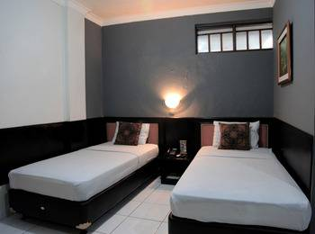 Hotel Cihampelas 2 Bandung - Deluxe Room Only  #WIDIH - Pegipegi Promotion