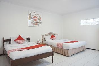 OYO 206 Hotel Candra Kirana Yogyakarta - Suite Triple Regular Plan