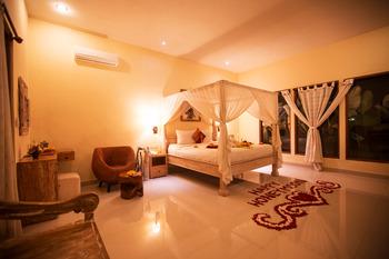 Asri Sari Resort Bali - Honeymoon Deluxe Room Regular Plan