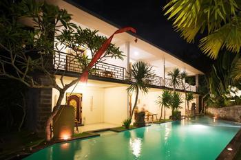 Asri Sari Resort Bali - Deluxe Room Pool and Garden Area 24 HOURS DEAL